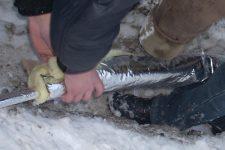 Как утеплить водяную трубу на улице